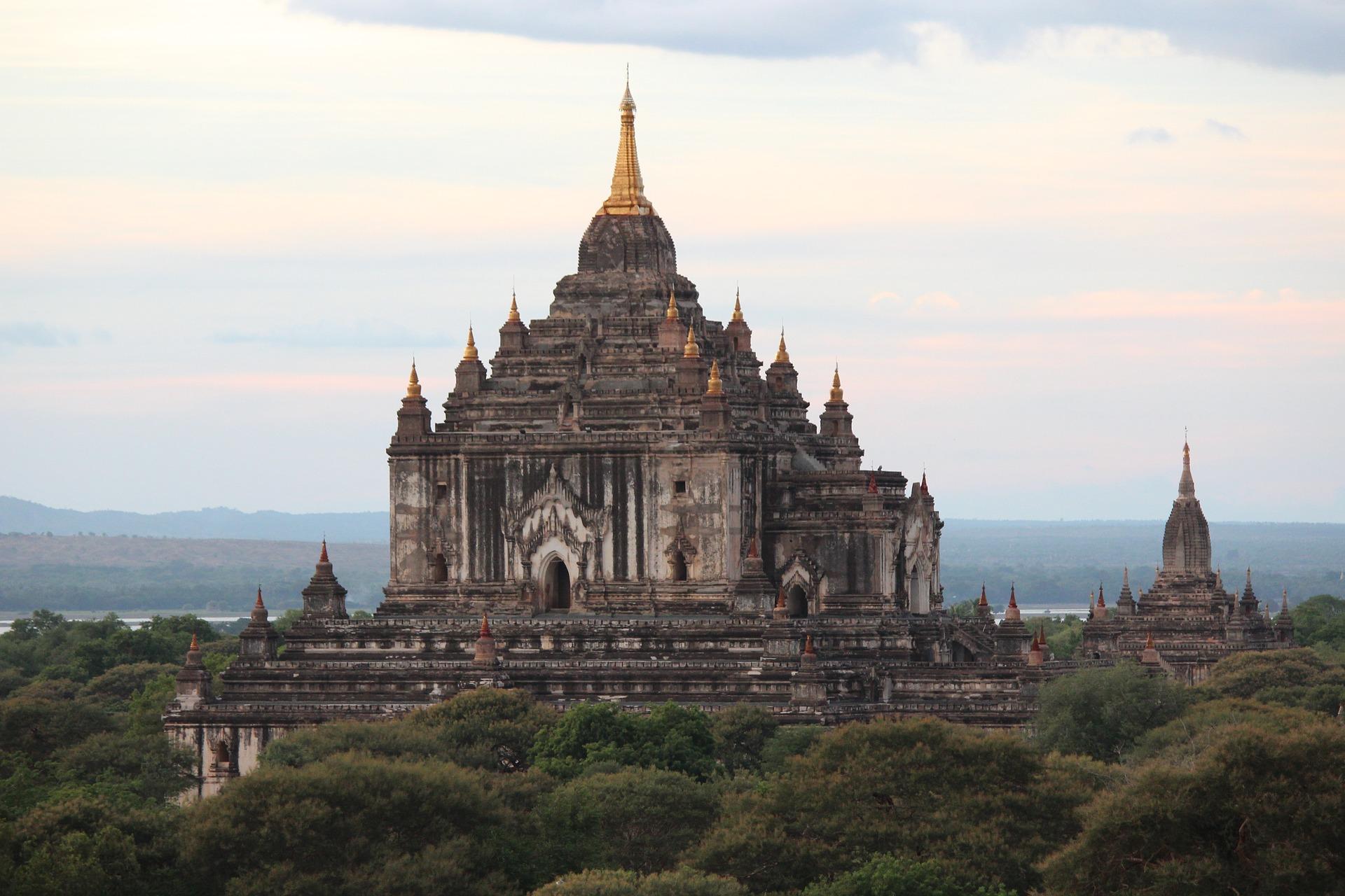 Bagan (Pagan) est la cité aux 2600 stupas