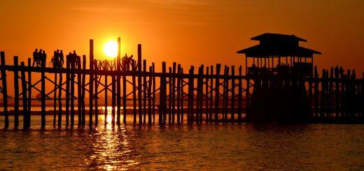 Les anciennes capitales de Inwa, Amarapura, Sagaing, le pont U-bein