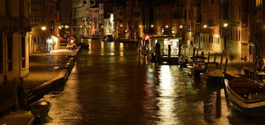 Venise by night